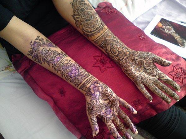 coloured Mehndi design for brides