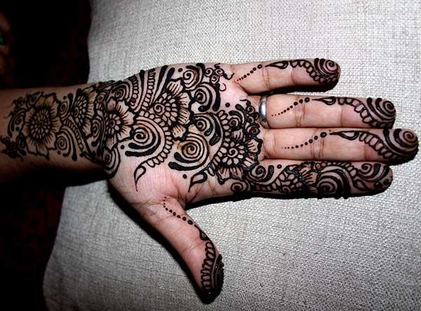 floral and paisley mehendi palm design