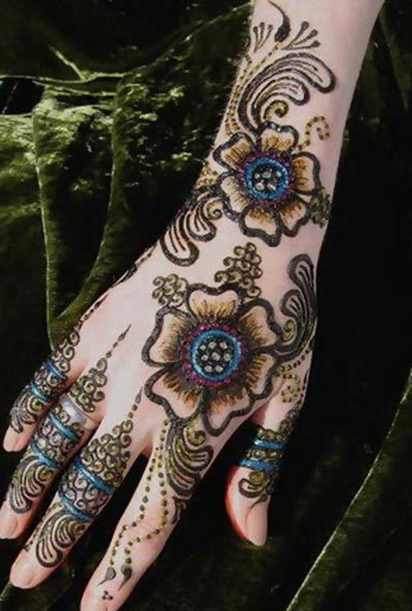 Best floral mehndi design for back hand