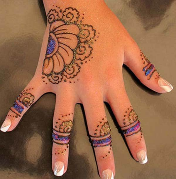 Glitter mehendi design for backhand