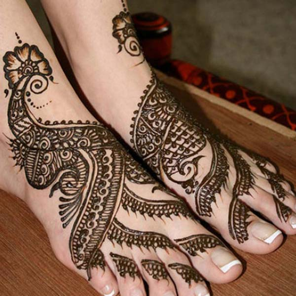 peacocks mehndi design for feet