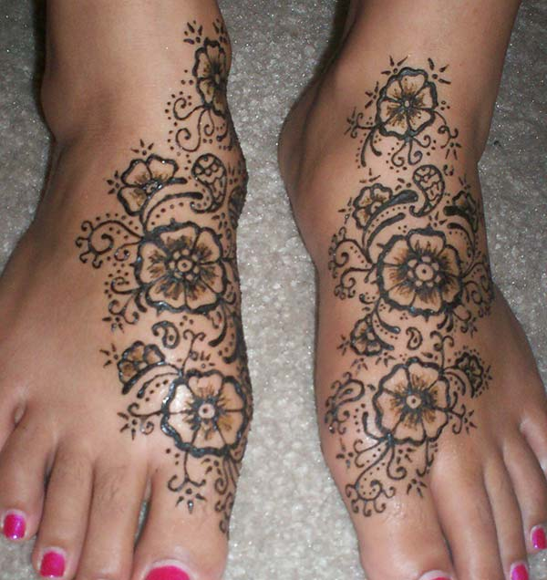 floral mehndi design for feet