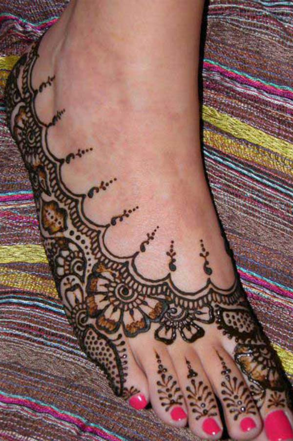 traditional mehndi design for feet