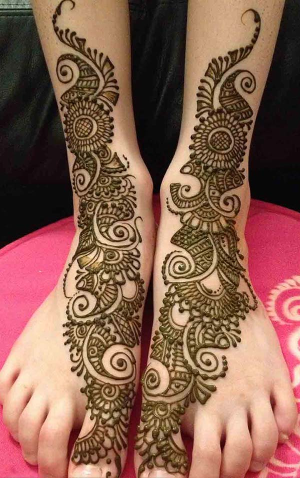 paisley and flowers mehendi design for feet