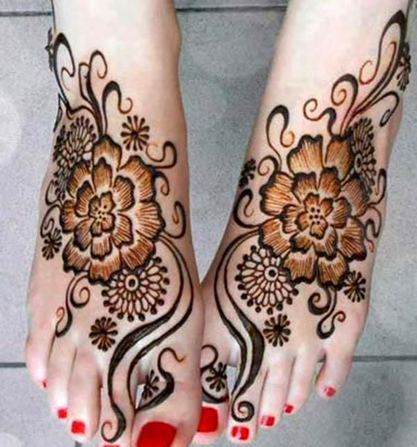 flower mehndi design for feet