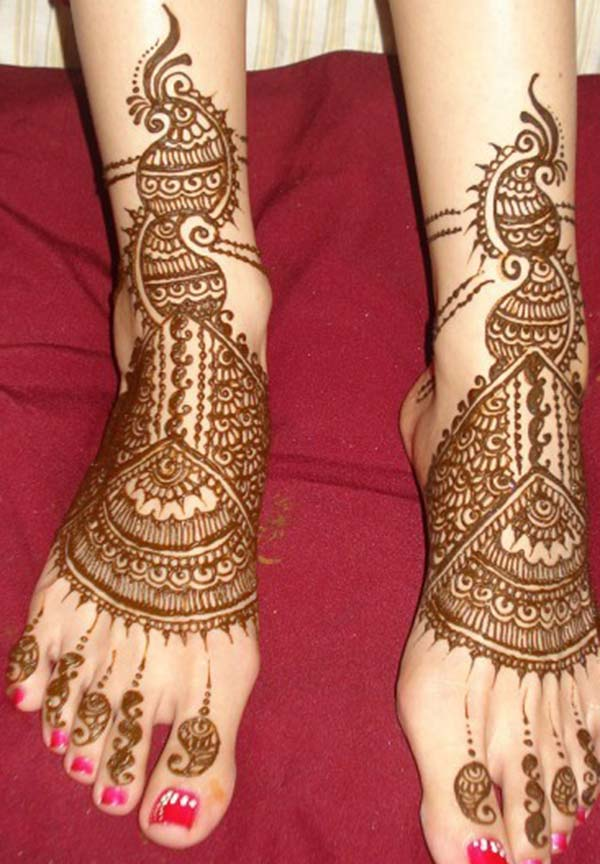 paisley and flowers mehndi design for feet