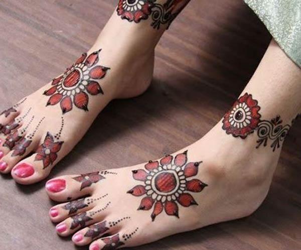 red flower mehndi design for feet