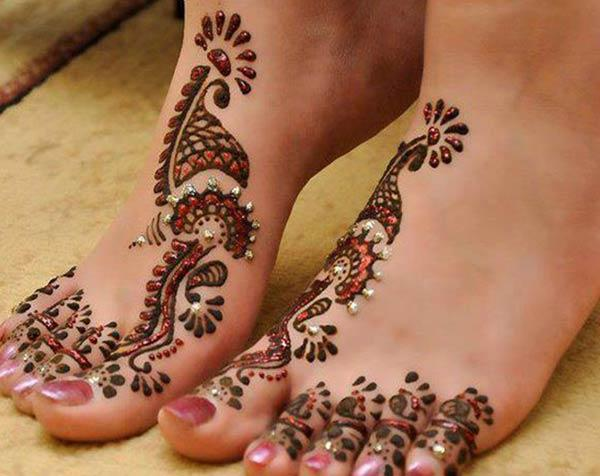 glitter mehndi design for feet