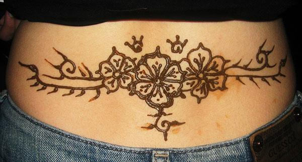 simple floral mehndi design for lower back