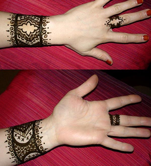 wristband mehndi design for wrist