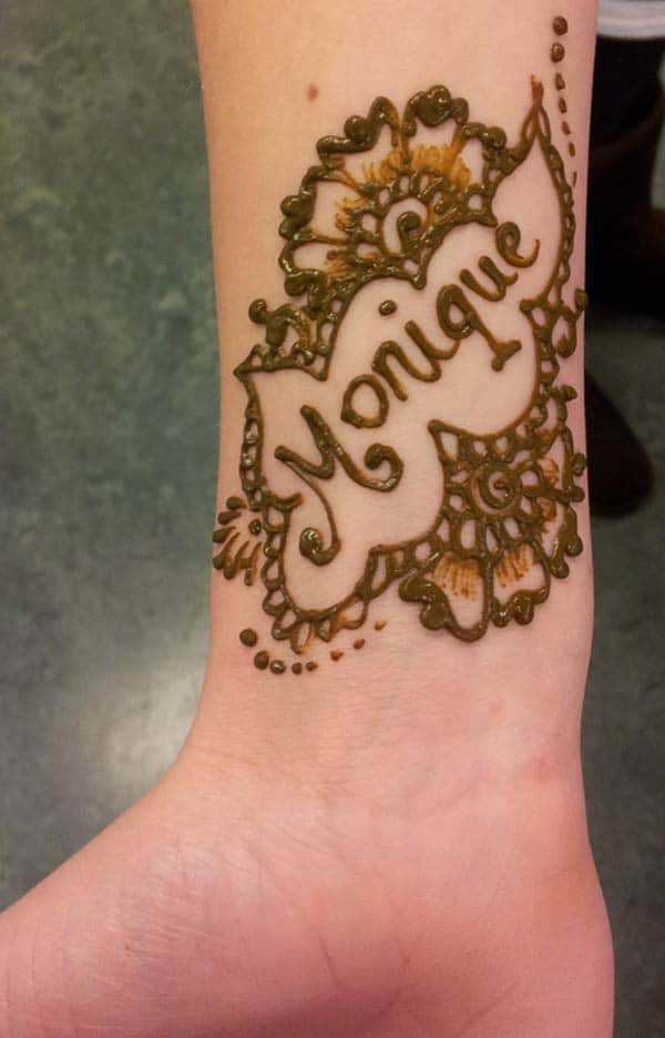 flowers mehndi design for wrist
