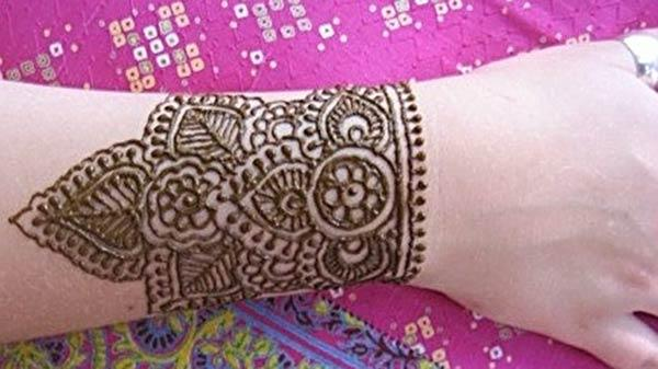 bracelet mehendi designs for wrist