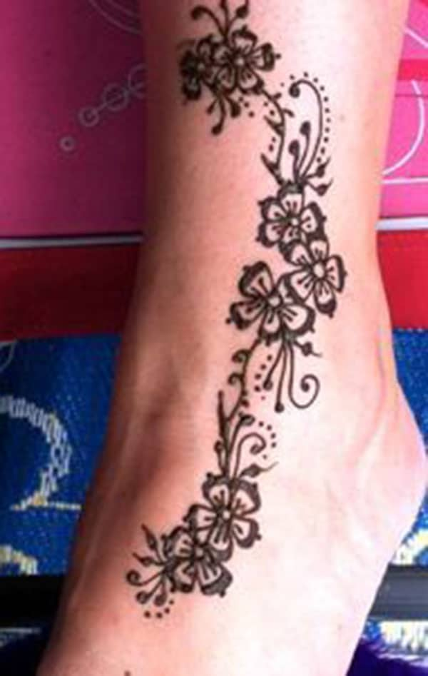 floral mehndi design for ankle