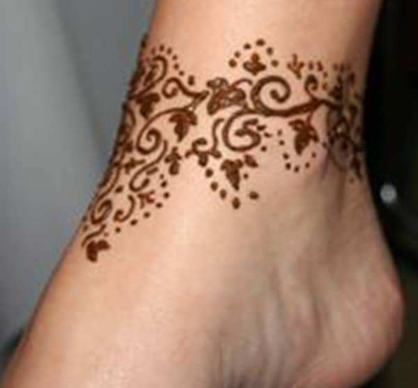 vine mehndi design for ankle