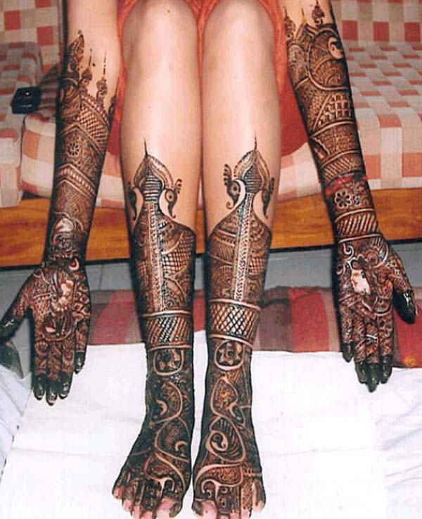 traditional patterns mehndi design for bride bridal