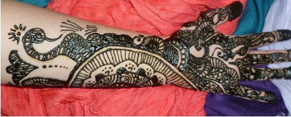 traditional mehendi design for fingers