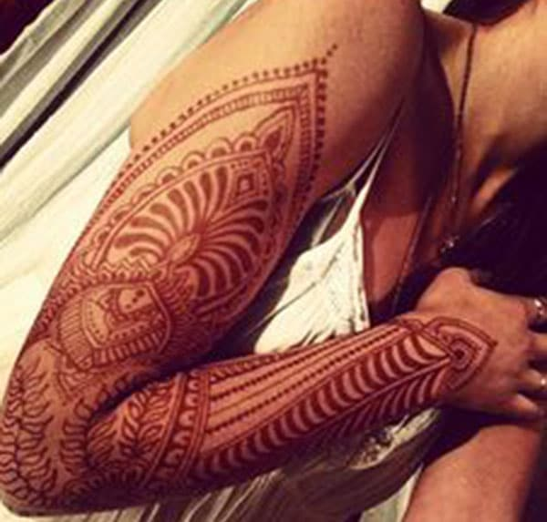 line patterns mehndi design for full arm