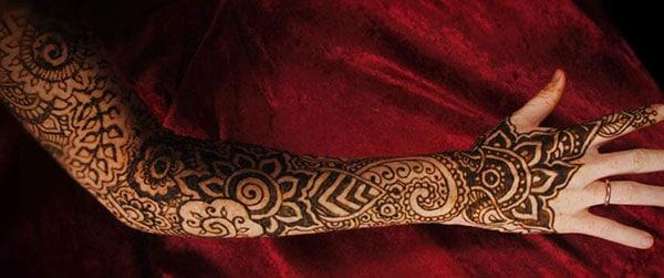 light and dark patterns mehndi design for full arm
