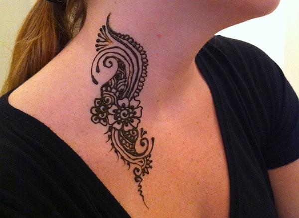floral mehndi design for neck