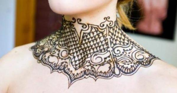 huge necklace mehendi design for neck