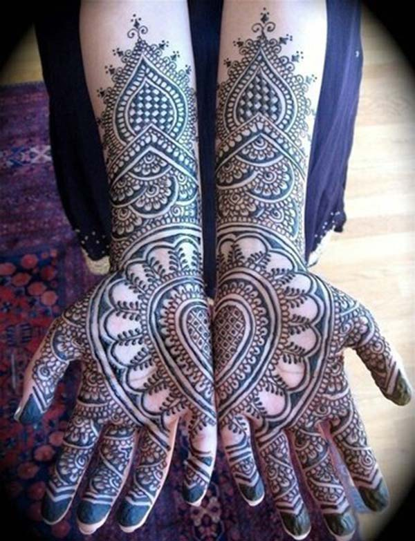 symmetric mehndi design for palm palms
