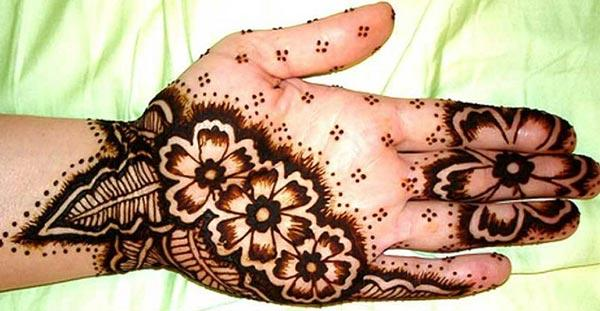 floral pattern mehndi design for palm-palms
