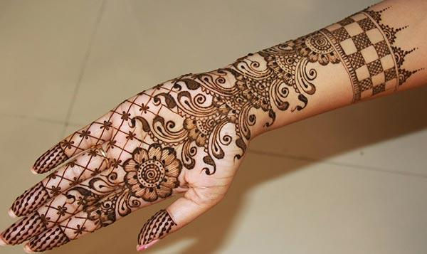 flowers mehndi design for palm-palms