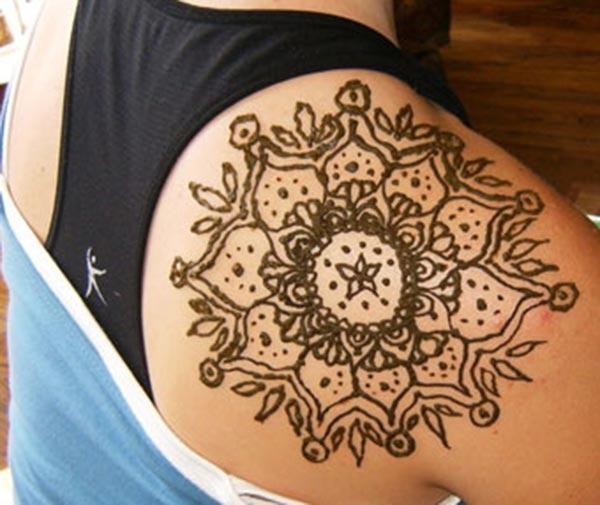 huge motif mehndi design for shoulder