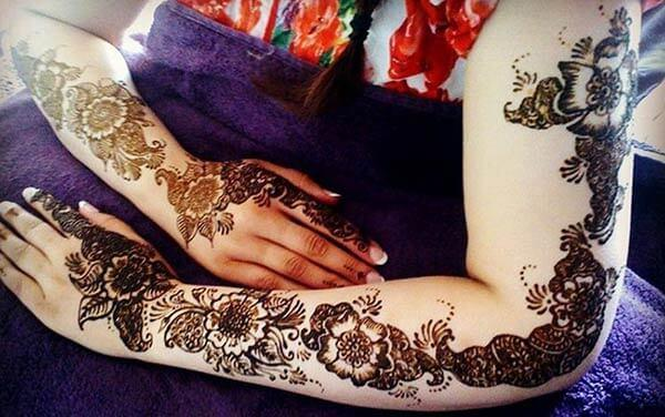 Show the world your feminine beauty using full arm mehendi designs for ladies
