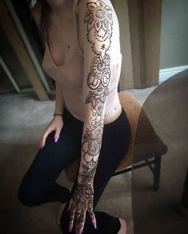 A brilliant full hand mehendi design for girls and ladies