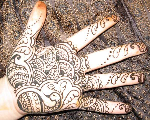A lovely palm mehendi design for girls