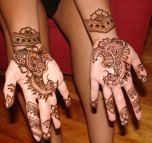 A delightful palm mehendi design for Ladies and girls
