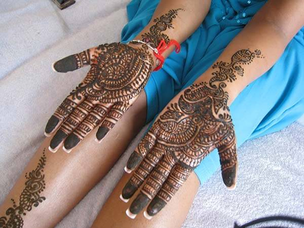 A decorative palm mehendi design for Girls and women