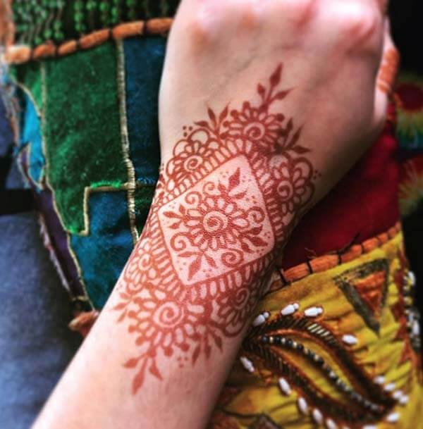 A charming mehendi design on wrist for Girls and ladies